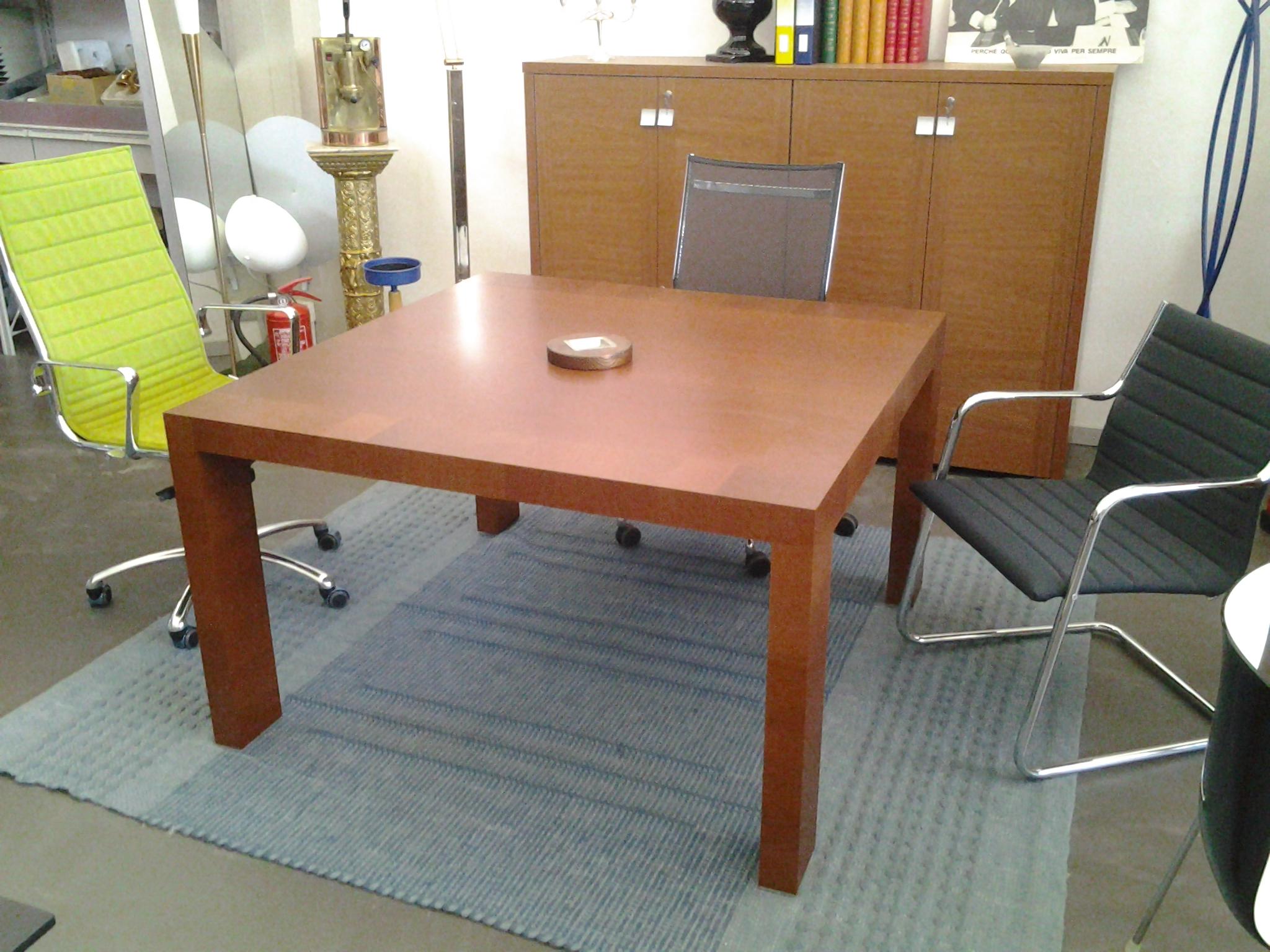 Tavolo riunioni usato ex fiera gimaoffice for Tavoli usati