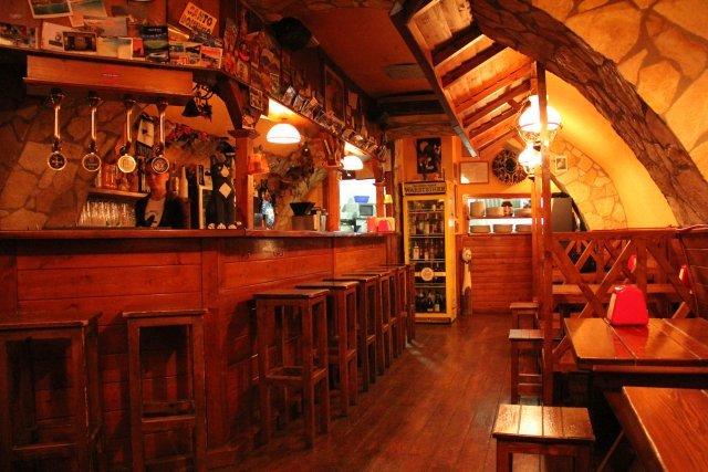 Arredamento esterno per bar usato allestimento for Arredamento per ristorante usato